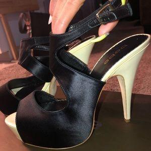 🌸bebe STACIA heels in Black & Cream🌸
